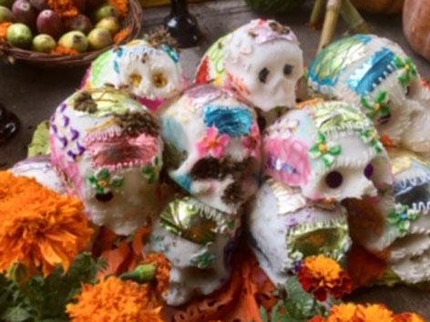 Dias de los Muertos Mexico Totenköpfe Schokolade Zucker