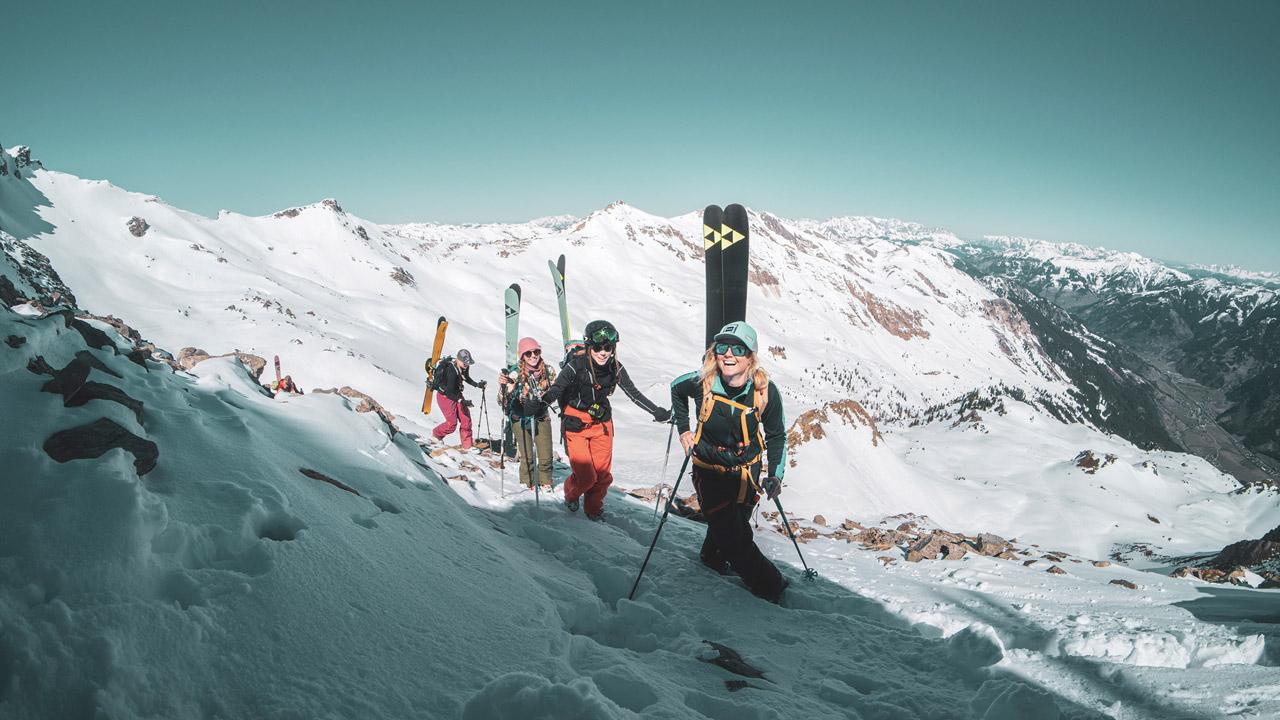 Frauen bei Skitour