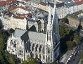 Wiener Votivkirche aus der Vogelperspektive, aufgenommen 2015