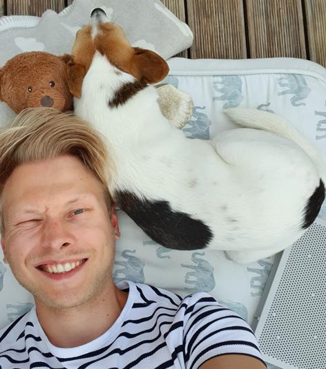 Tom Filzer mit seinem Hund Wolke