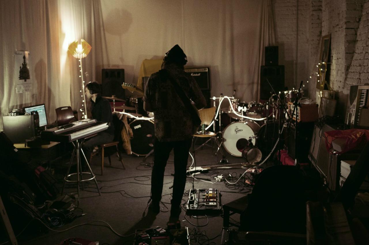 Die band Fox Shadows im Proberaum