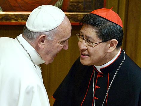 Weißer und roter Papst: Machtverschiebung im Vatikan