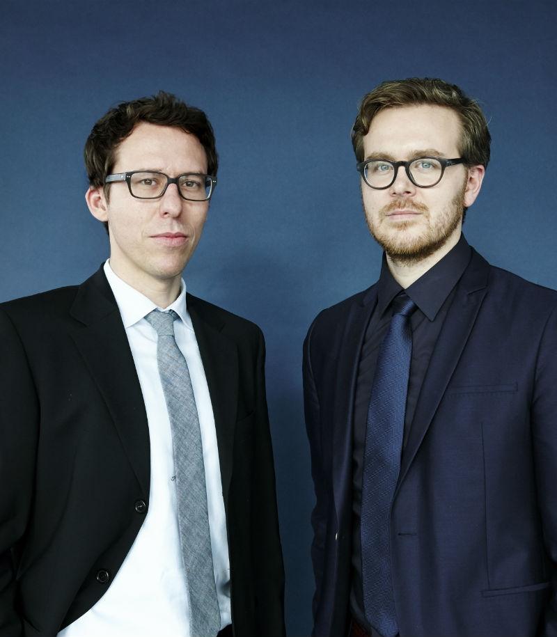 Die Journalisten der Süddeutschen Zeitung Bastian Obermayer und Frederik Obermaier