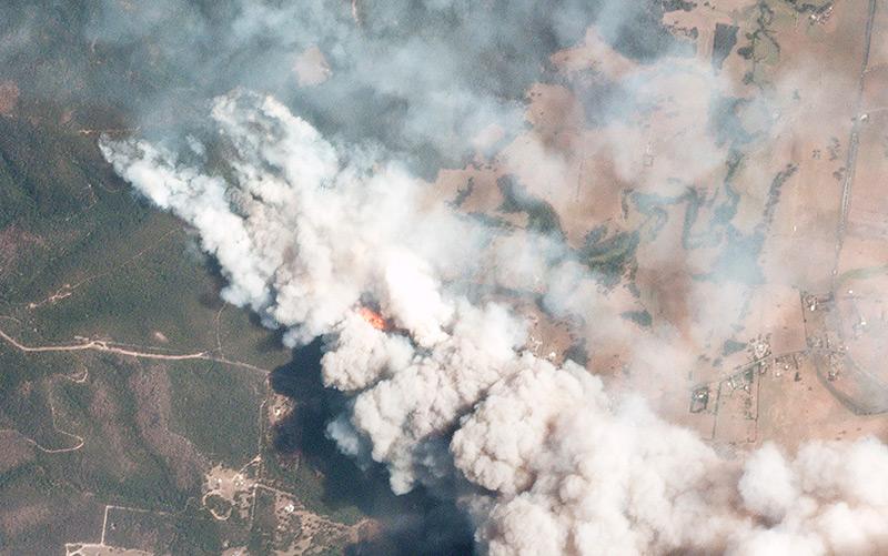 Satellitenbild der Buschfeuer über dem australischem Bundesstaat New South Wales