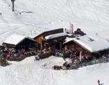 Gipfel, Gips und Après-Ski - Der Winterzirkus in Sölden