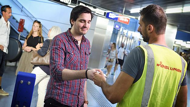 Fahrscheinkontrolle der Wiener Linien