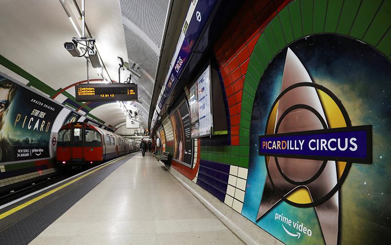"""Vor dem Start der neuen Picard-Serie wurde die U-Bahn-Station """"Picadilly Circus"""" kurzfristig umbenannt"""