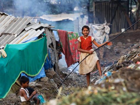 Vor allem alte Menschen, Frauen und Kinder leiden unter Ausgrenzung, Armut und Misshandlungen