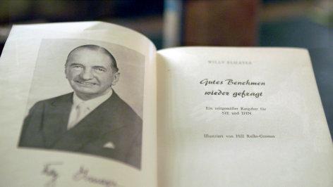 Tanzen wie zu Habsburgs Zeiten - 100 Jahre Wiener Unterhaltungskultur    Originaltitel: Die Wiener und der Walzer - Elmayers Benimmschule