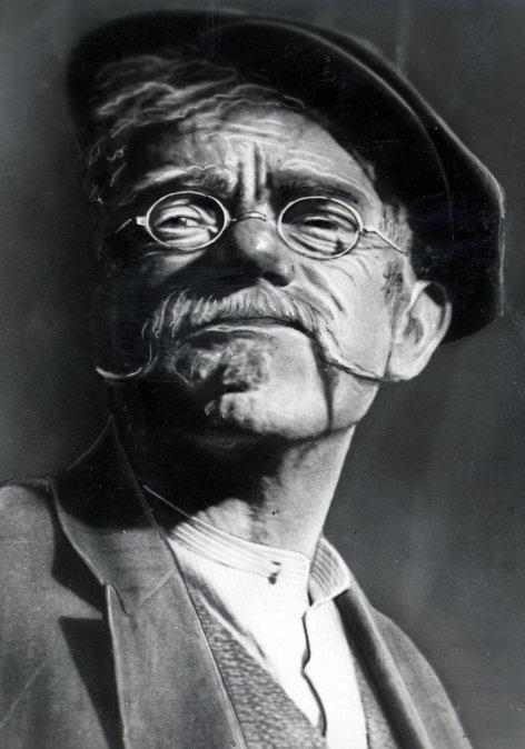 Valentinaden  Die karierte Weste  Originaltitel: (DEU 1936), Regie: Erich Engels.