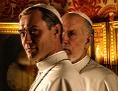 "Filmstill ""The New Pope"" mit Jude Law und John Malkovich"