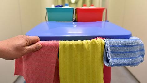verschieden färbige Putztücher