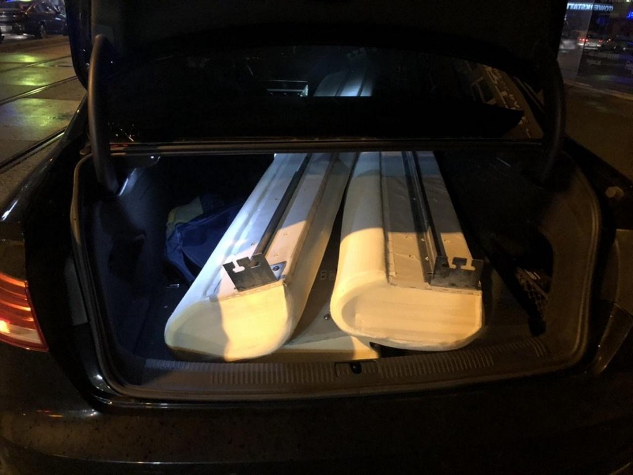 Bett in einem Kofferraum