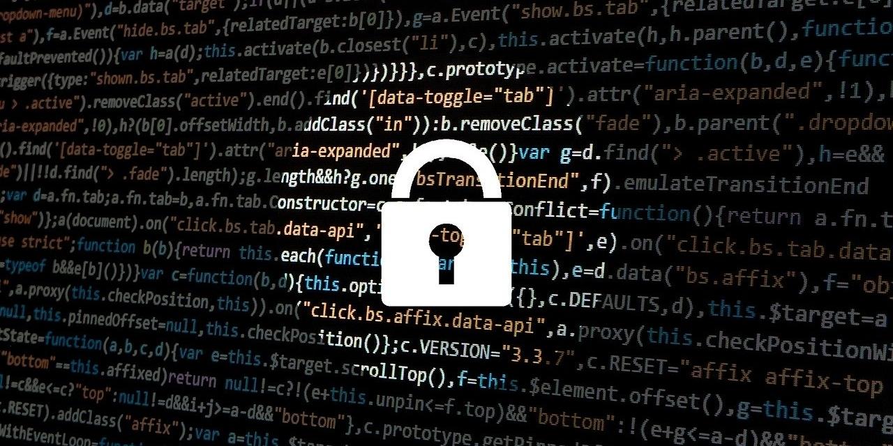Schlosssymbol vor html-Textcode auf Bildschirm