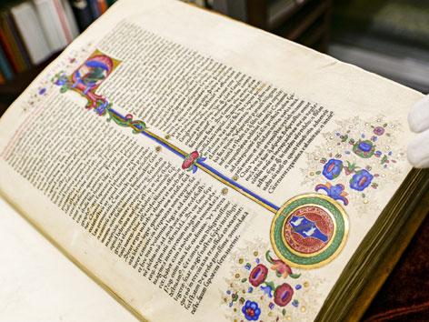 Aufgeschlagene Gutenberg-Bibel