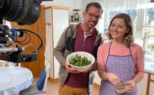 Kochen mit dem Biogärtner Karl Ploberger <br />  <br /> Originaltitel: Kochen gegen Corona - mit Karl Ploberger
