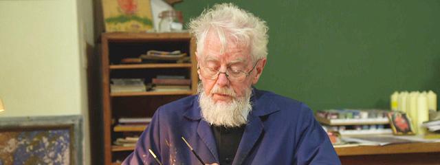 Abt Otto Strohmaier beim Ikonenmalen