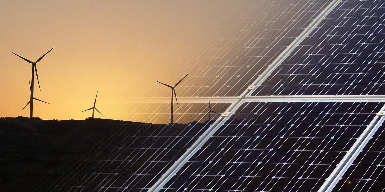 Windrad und Fotovoltaik