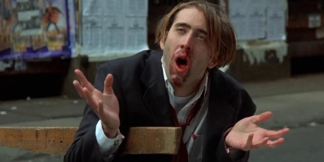 """Cage in """"Vampire's Kiss"""" mit blutverschmiertem Mund"""