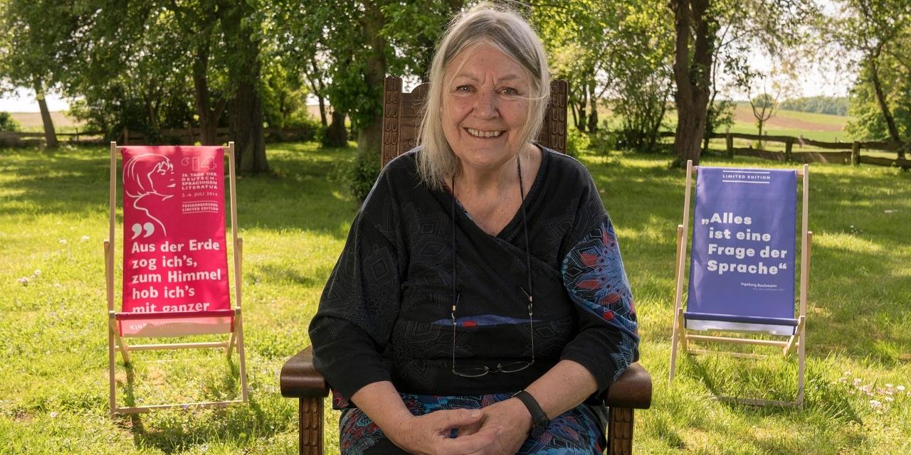 Helga Schubert in ihrem Garten.