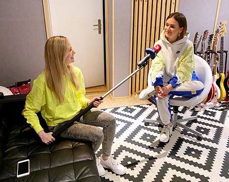 Mathea und Ö3-Reporterin Tina Ritschl