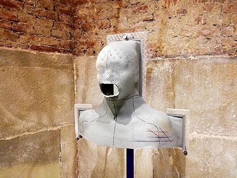 """Simon Schober: """"Verstummt"""" (2020), Jahresausstellung """"Was leid tut"""" in Stift Klosterneuburg"""