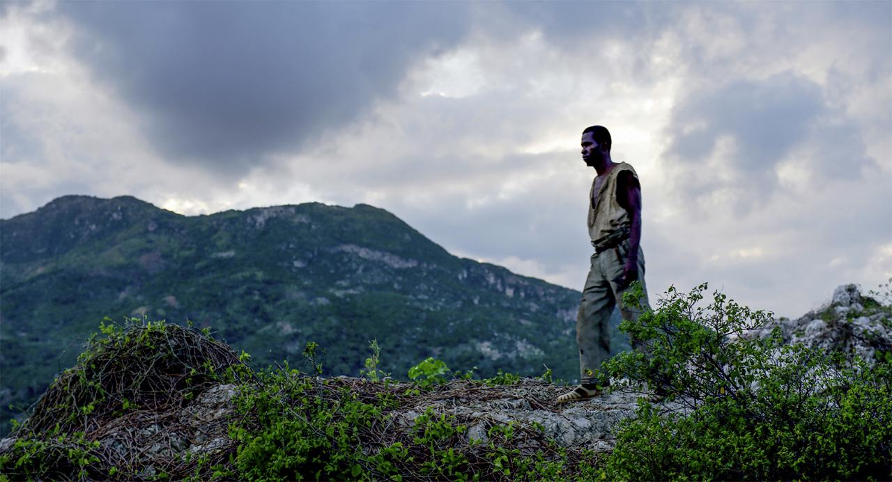 Zombi geht durch die Berge