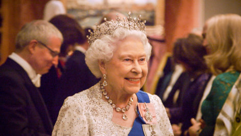 Die Queen mit 90 - Ein sehr spezieller königlicher Geburtstag    Originaltitel: The Queen at 90