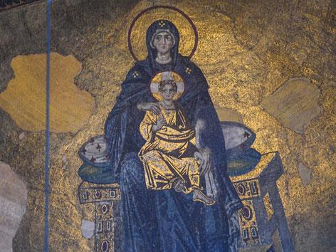 Ein Mosaik der Jungfrau Maria mit Jesuskind in der Hagia Sophia