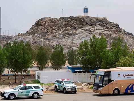 Pilger erreichen den Berg Arafat