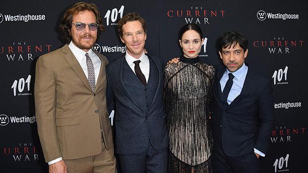"""Die Schauspieler aus dem Film """"Edison"""" (Benedict Cumberbatch, Tuppence Middleton, Michael Shannon) und der Direktor Alfonso Gomez-Rejon bei der Premiere von  """"Edison"""" in New York."""