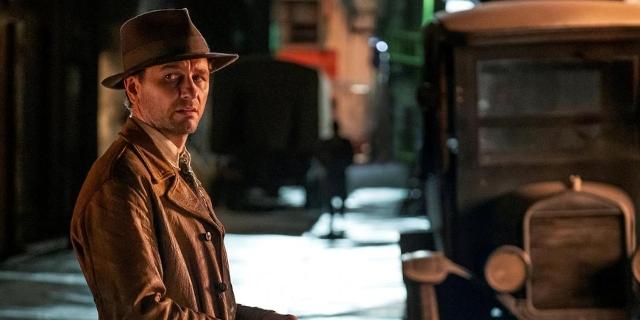 Matthew Rhys als Perry Mason