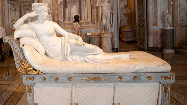 Pauline Bonaparte Statue von Antonio Canova im Museum