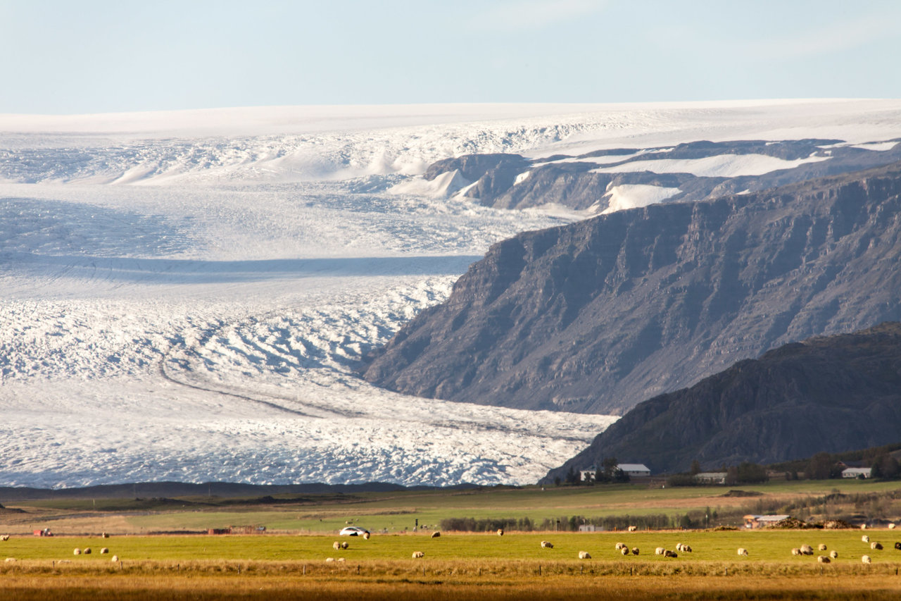 Vatnajökull glacier from a distance