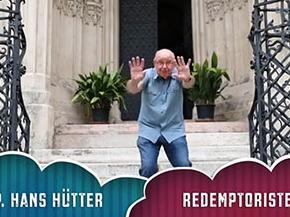 Redemptorist P. Hans Hütter stellte seinen Covid-19-Sommer pantomimisch dar, Video vor der Kirche Maria am Gestade in Wien