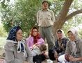 Der schwedischen Filmemacherin Nahid Persson ist mit ihrem Film ein intimes Porträt einer iranischen polygamen Großfamilie gelungen.