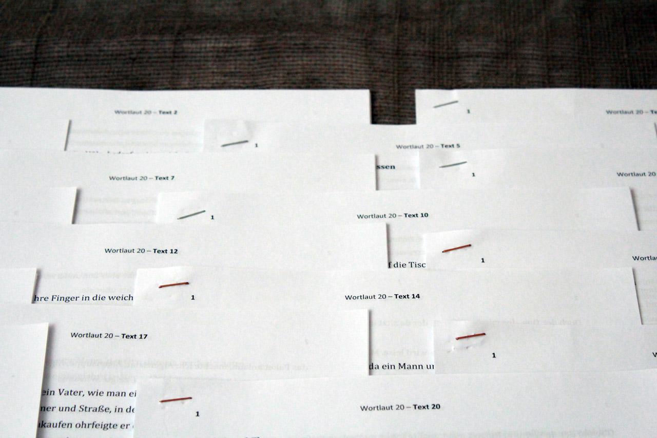 Stapel von ausgedruckten Texten