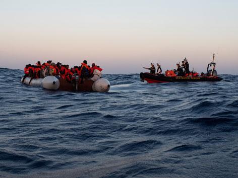 Sea-Watch 4 Mittelmeer Flüchtlinge Seenotrettung