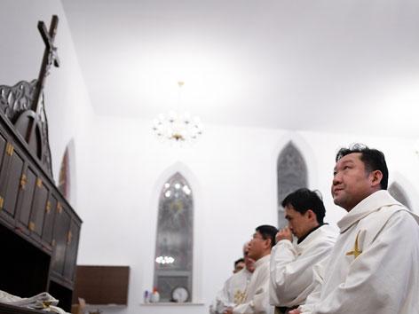 Chinesische römisch-katholische Priester