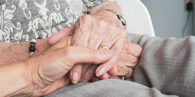 Hände Senioren