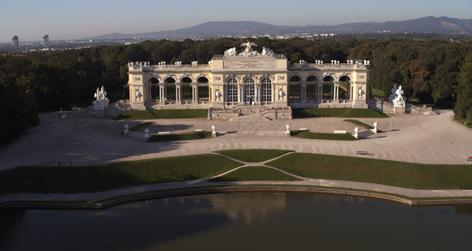 gloriette krone schönbrunns