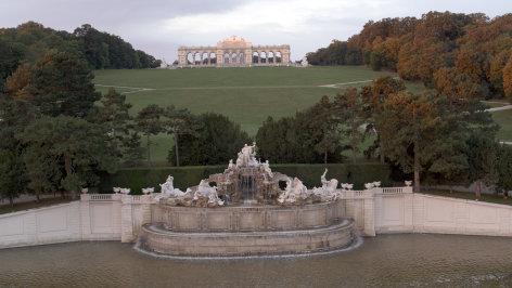 gloriette die krone schönbrunns