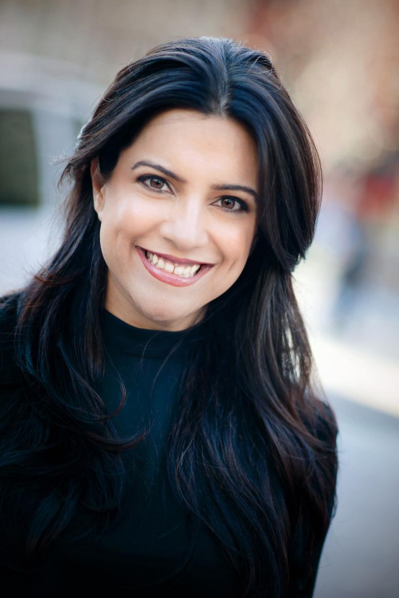 Porträtfoto der Autorin Reshma Saujani