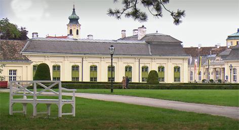 Aus dem Rahmen  Schloss Laxenburg - Habsburgs Residenz im Grünen