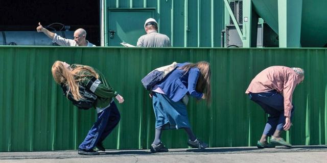 """Filmstills aus Miranda Julys """"Kajillionaire"""""""