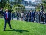 Im Brennpunkt  Donald Trump - Ein Präsident im Ausnahmezustand  Originaltitel: Trump Almighty