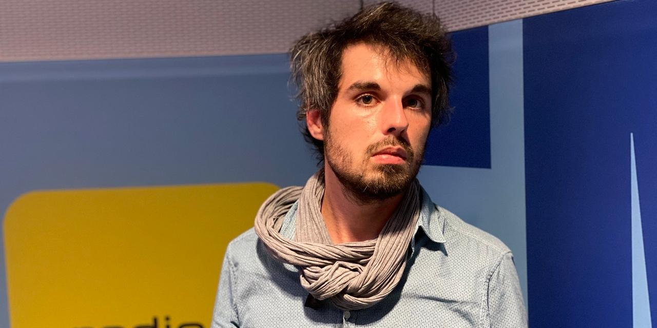 """Portraitfoto des österreichischen Autors Leander Fischer anlässlich seines Debüts """"Die Forelle"""""""