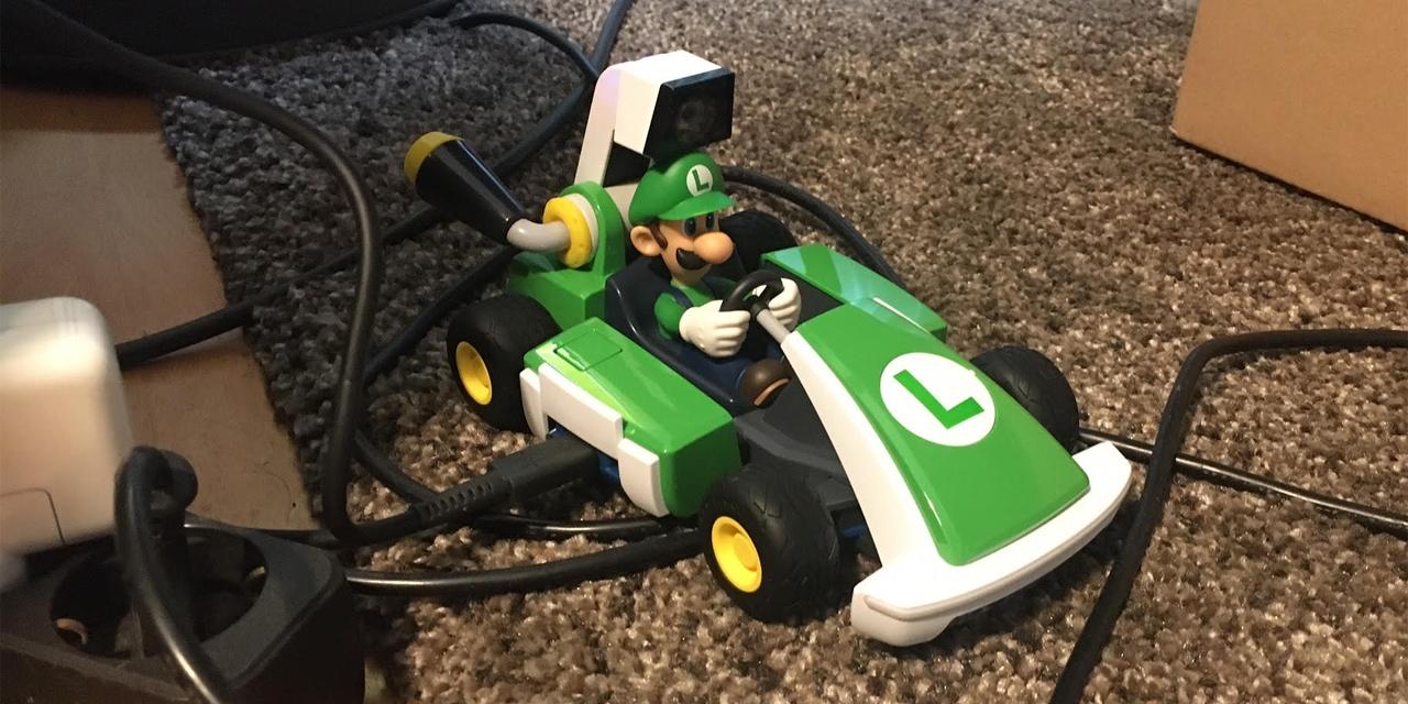 """""""Mario Kart Live: Home Circuit"""" am Wohnzimmerboden"""
