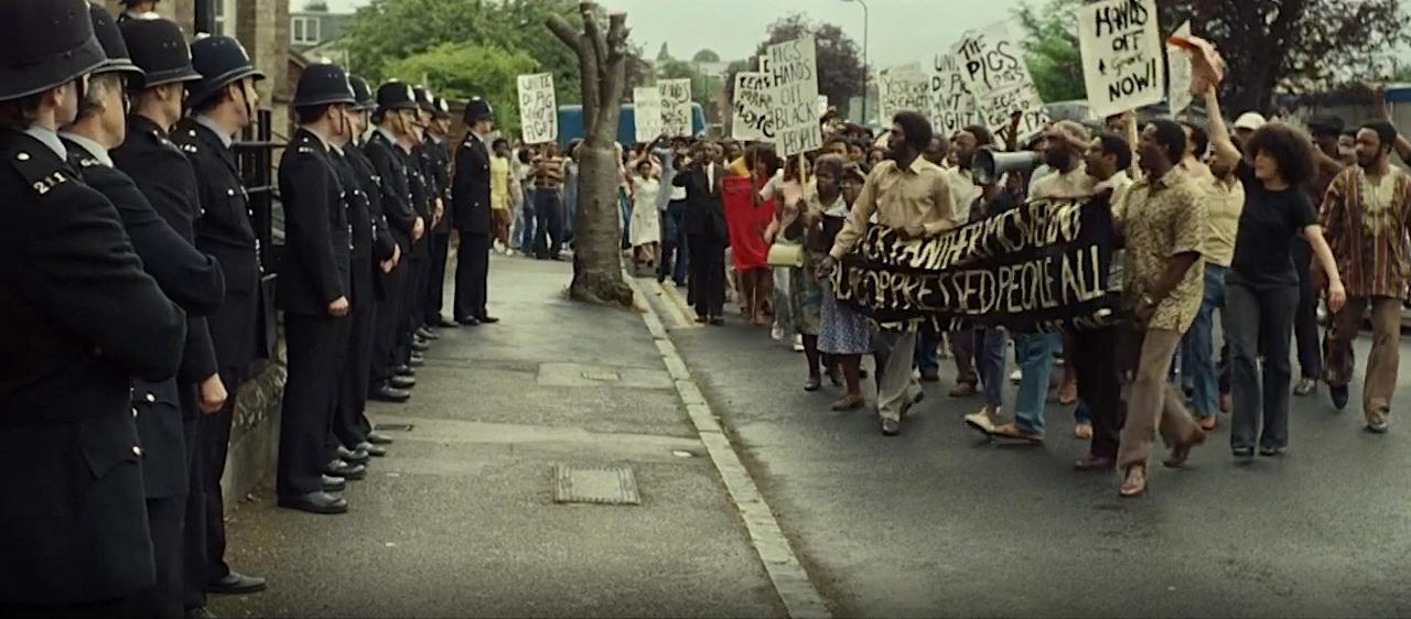 Bilder aus 'Mangrove' dem 1. Teil der von Steve McQueen inszenierten BBC-Serie 'Small Axe'