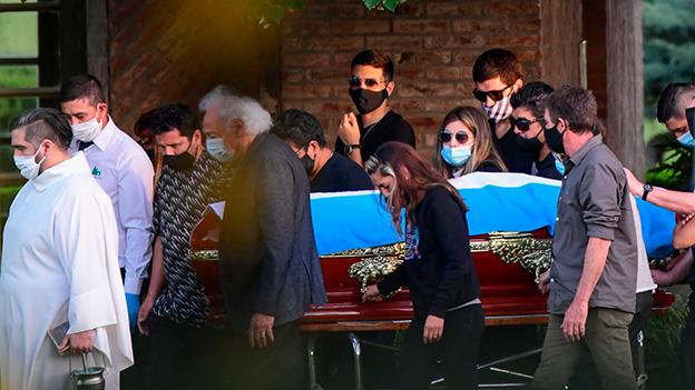 Maradona in Buenos Aires bei privater Zeremonie beigesetzt